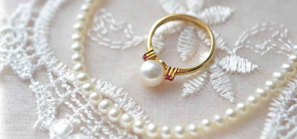 結婚30周年!真珠婚式にはプレゼントしたい真珠アイテムとは