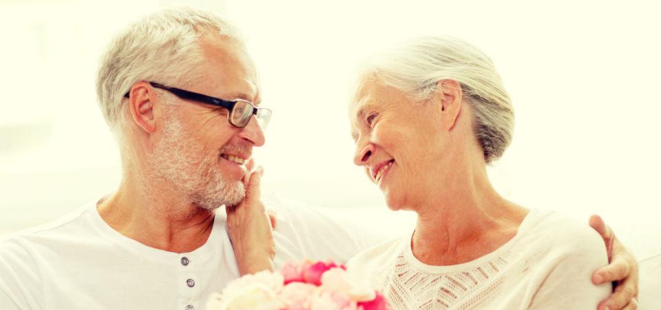 結婚25周年は花で祝おう!銀婚式に贈る花ギフトの選び方